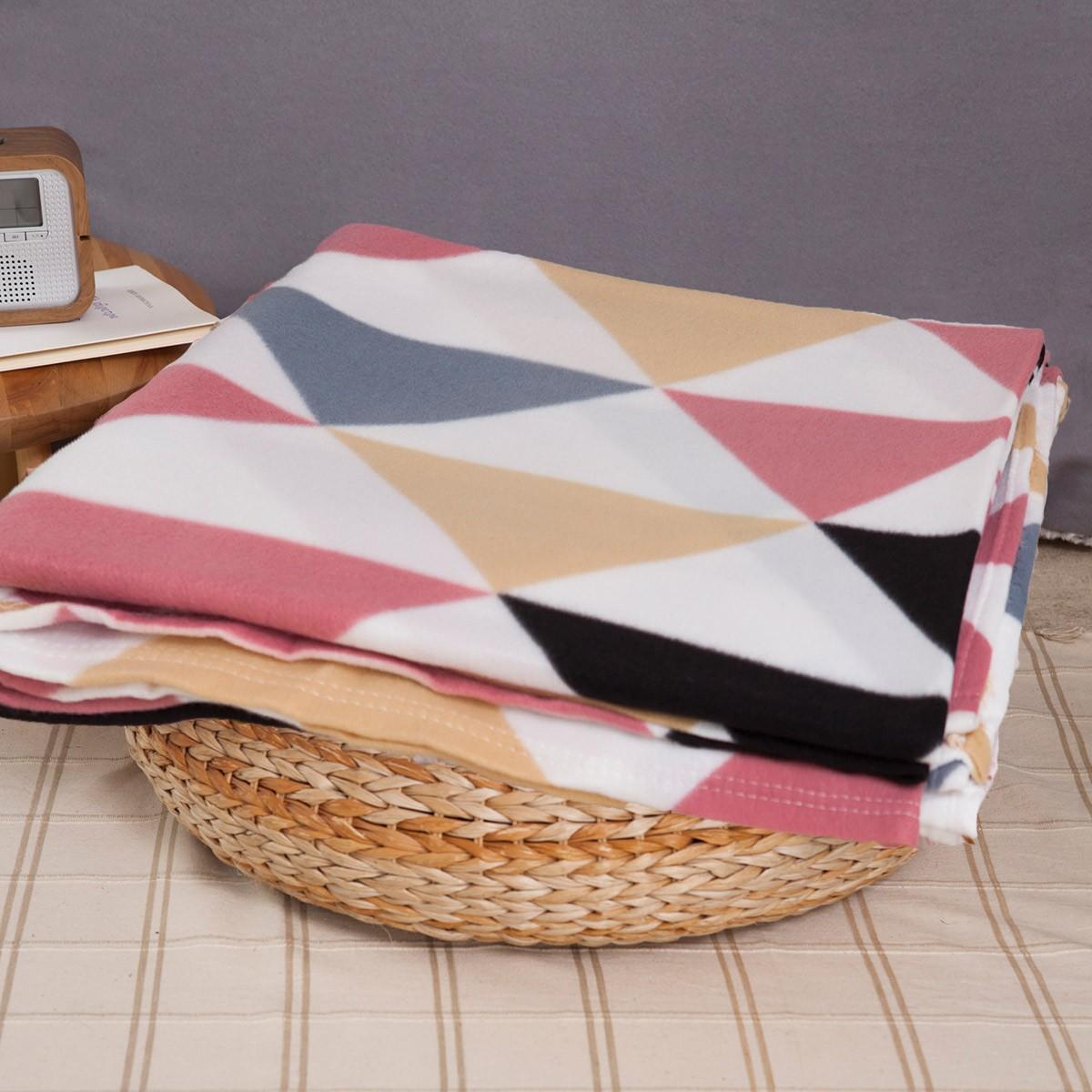 Κουβέρτα Fleece Υπέρδιπλη Melinen Triangle