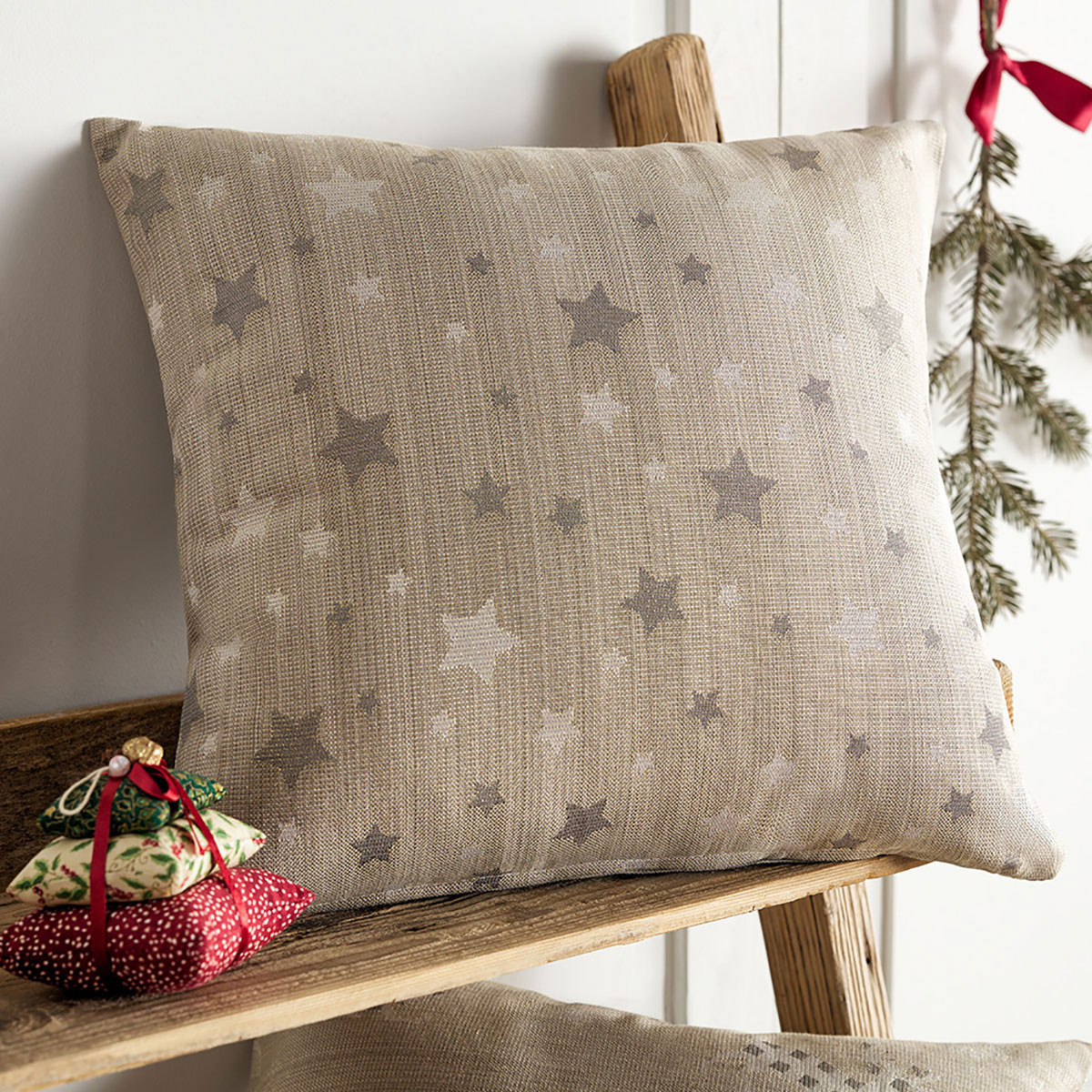Χριστουγεννιάτικη Μαξιλαροθήκη (43×43) Gofis Home 901/04