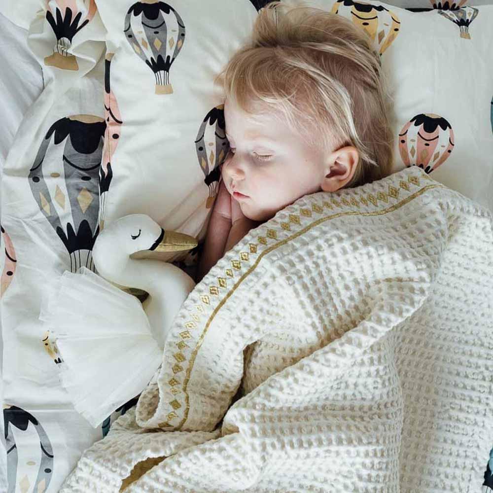 Κουβέρτα Πικέ Αγκαλιάς Elodie Details Gilded Vanilla White BR72098