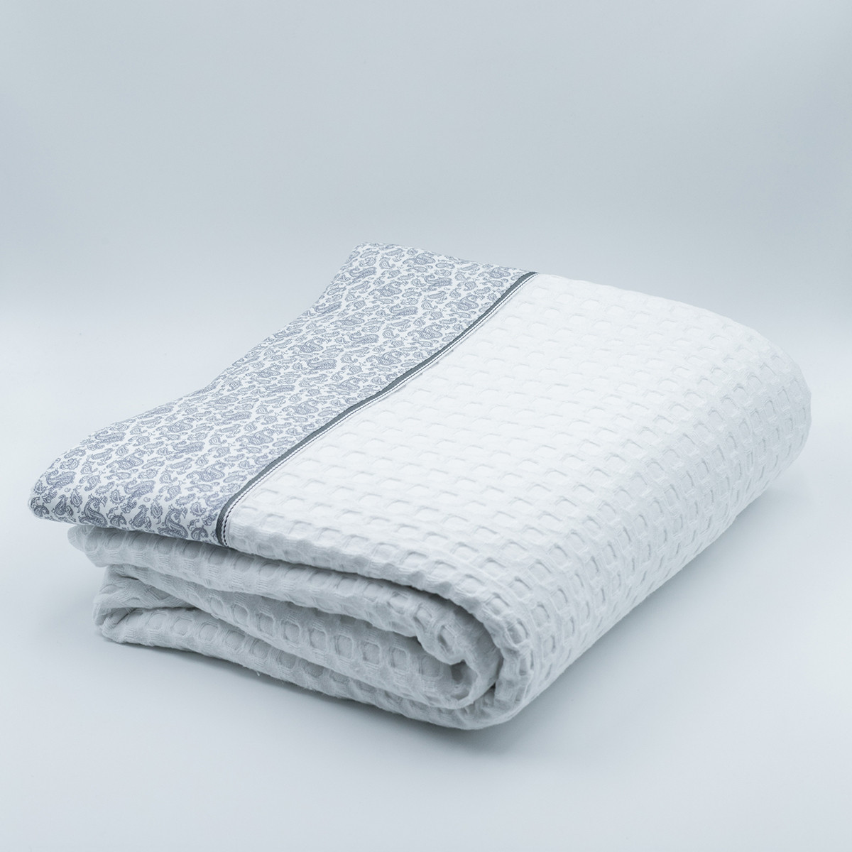 Κουβέρτα Πικέ Υπέρδιπλη White Fabric Paisley White