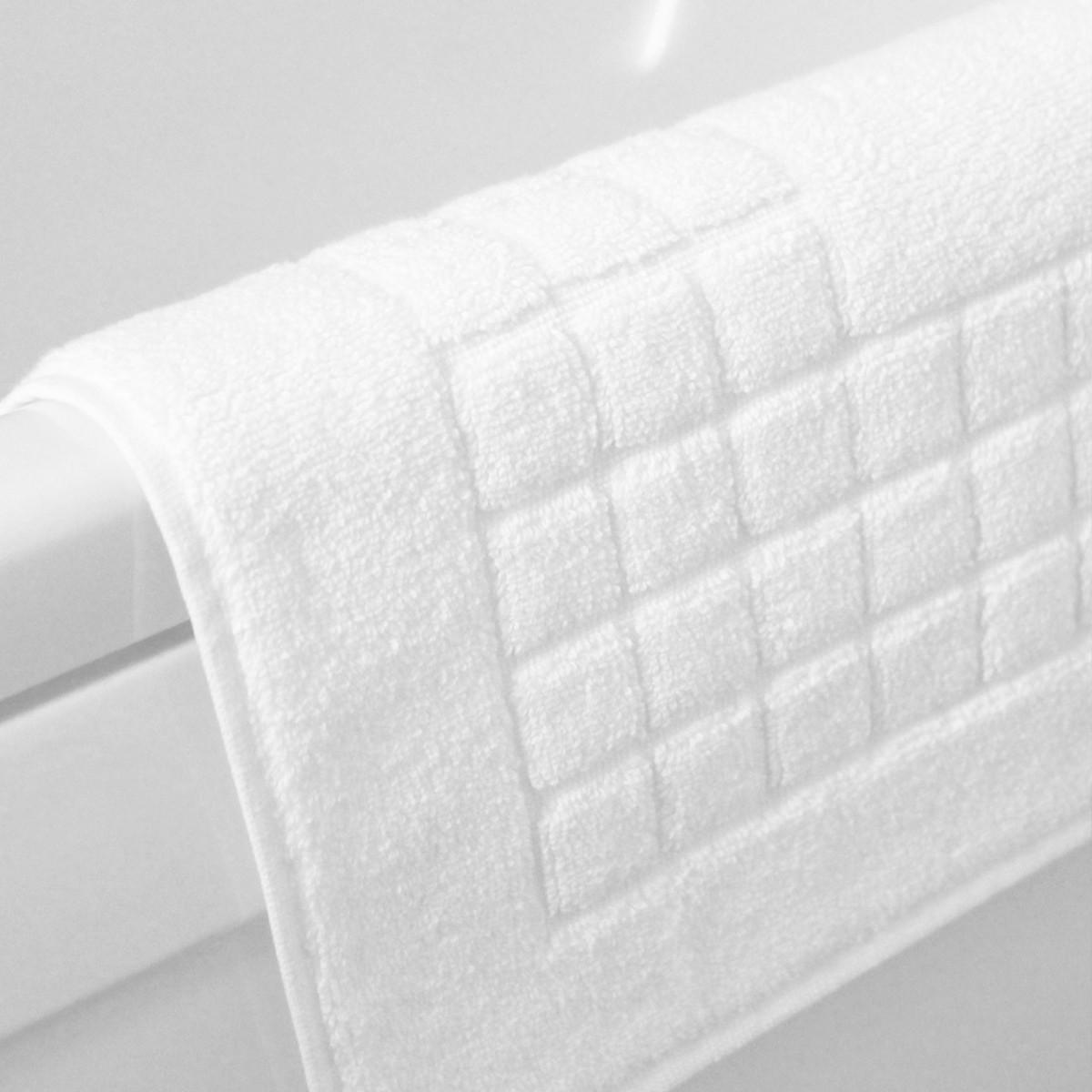 Πετσετέ Πατάκι Μπάνιου (50×75) Τετραγωνάκι Λευκό 700gr/m2