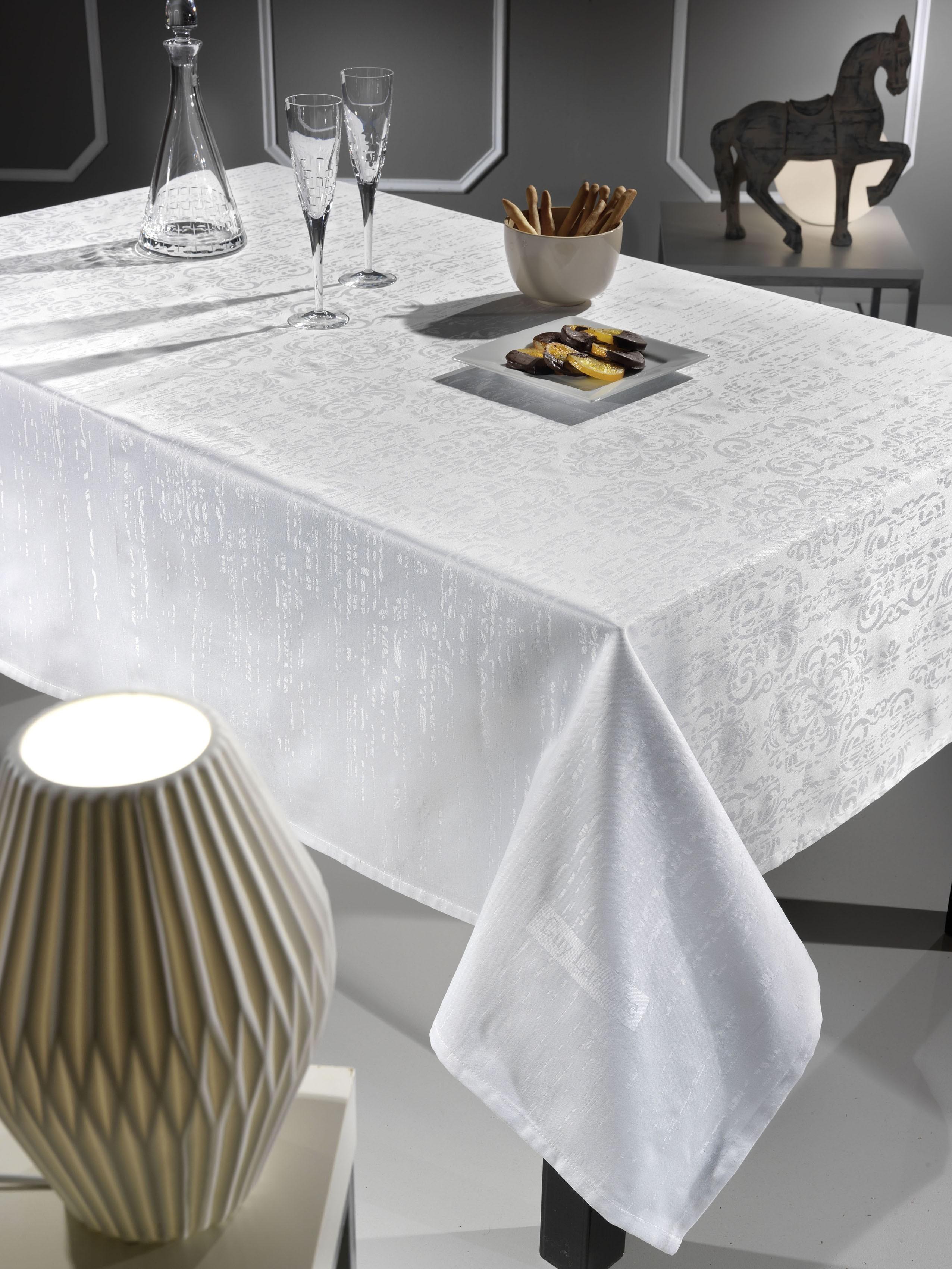 Τραπεζομάντηλο (160×250) Guy Laroche Vector White
