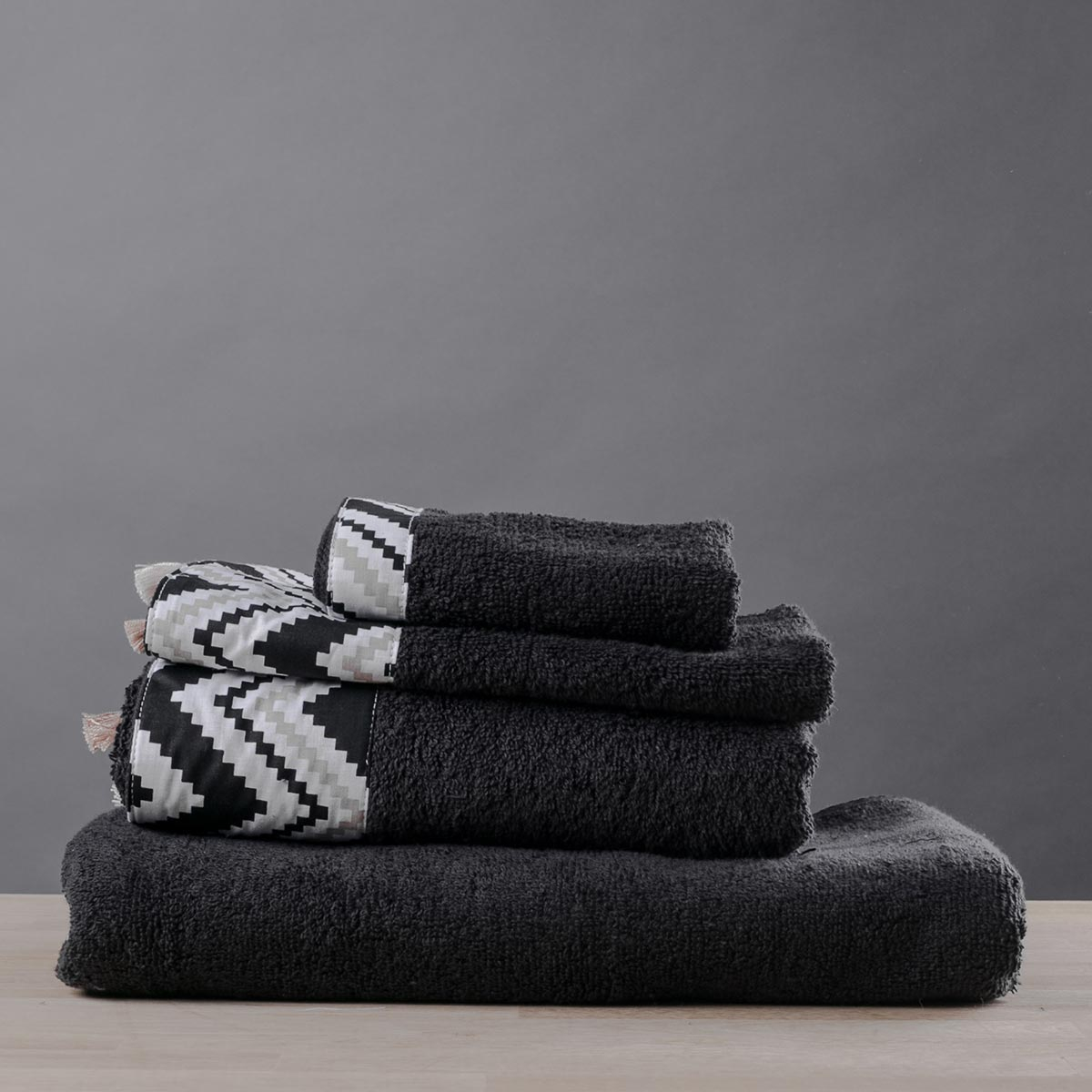 Πετσέτα Προσώπου (50×90) White Fabric Cedar Black