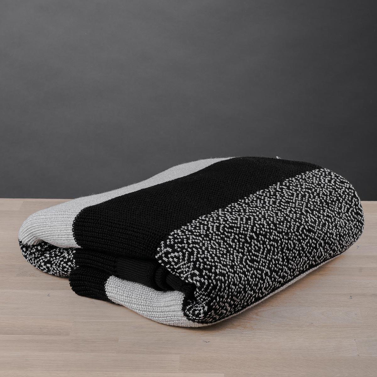 Κουβέρτα Καναπέ Πλεκτή White Fabric Stripes Black