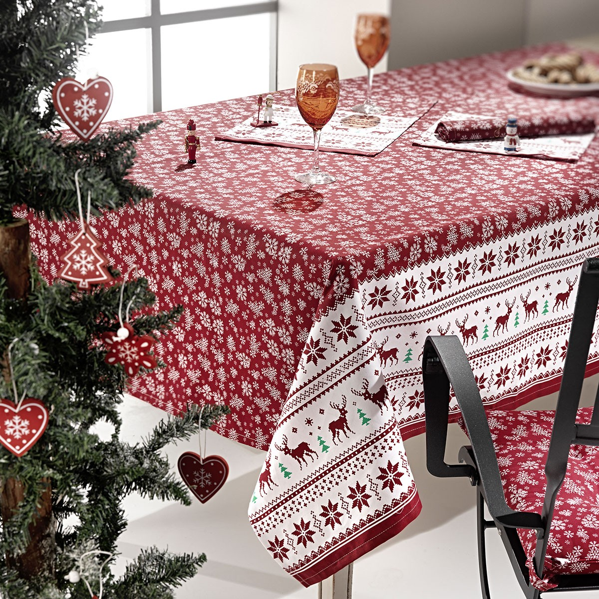 Χριστουγεννιάτικο Τραπεζομάντηλο (150×150) Nima Rudolph