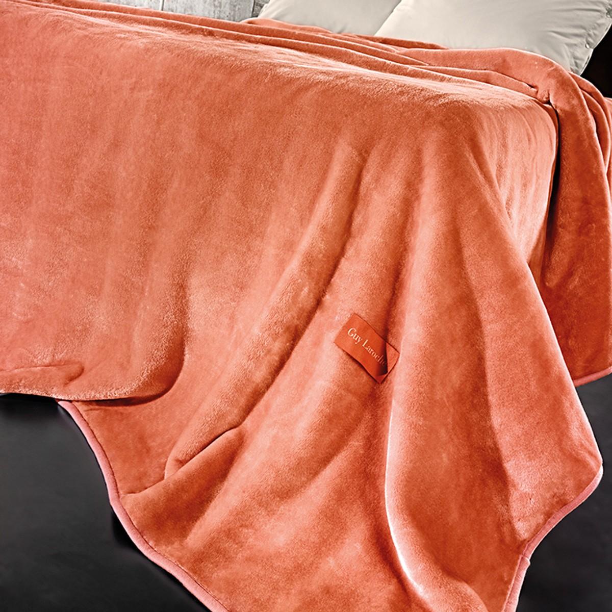 Κουβέρτα Βελουτέ Υπέρδιπλη Guy Laroche Solid Coral