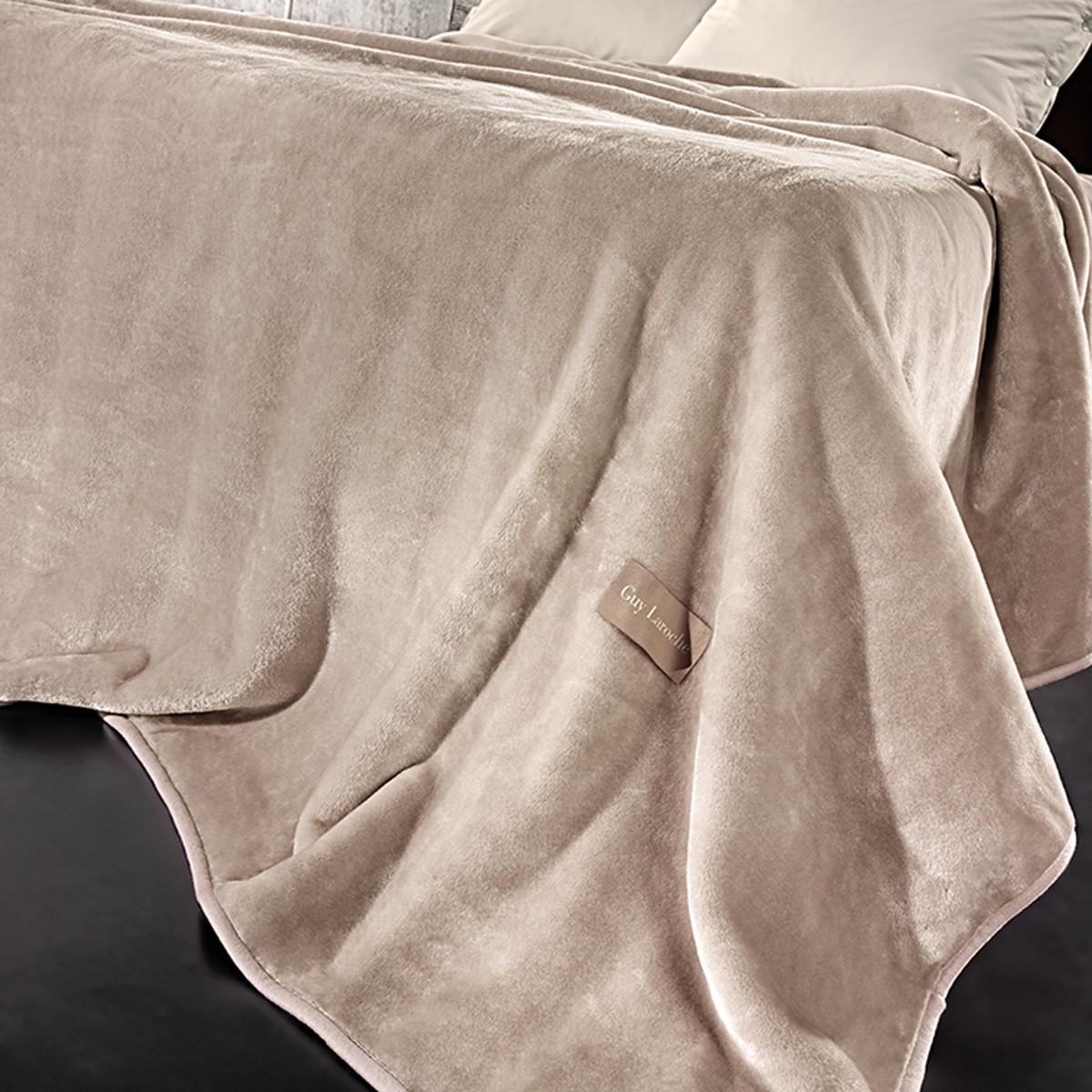 Κουβέρτα Βελουτέ Υπέρδιπλη Guy Laroche Solid Camel